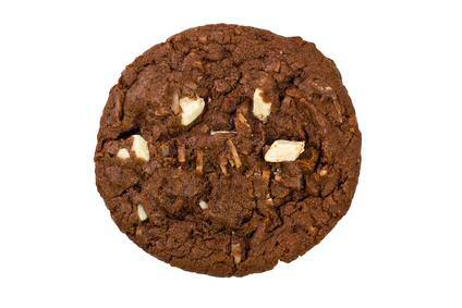 Chocolade koekjes met cacaopoeder en witte chocolade