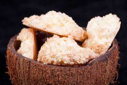 Kokoskoekjes gepresenteerd in een kokosnoot