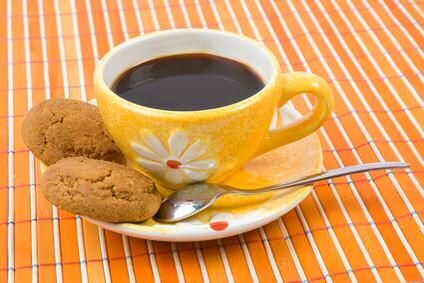 2 lekkere speculaas koekjes en een kopje koffie