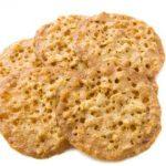 Relatief dikke kletskoppen koekjes met nootjes gebakken